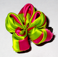Pink and Green Kanzashi by MsDollyTate