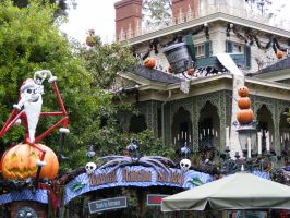 Haunted Mansion Holiday by CloakedNobody