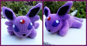 Lilith the Crochet Espeon by ArtisansShadow