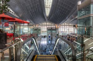 Haneda Airport - International Terminal by duceduc