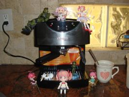 The GREATEST coffee machine with Madoka and Halo by Gubreez