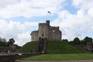 Cardiff castle by yalsaibie