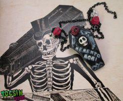 Memento Mori necklace by TocsinDesigns