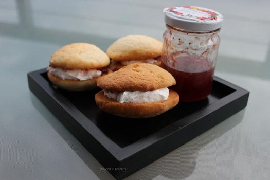 Whoopie Pies + Strawberry Jam by myheartindollparts