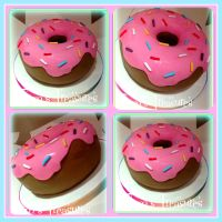BEHOLD! The Mega Donut! by gertygetsgangster