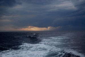 Storm approaching II by tigpc