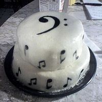 Bass Clef Cake by RachiePooh24