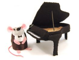 Pianist Mouse with Grand Piano by The-House-of-Mouse