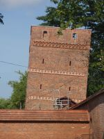 A falling tower? by Woolfred