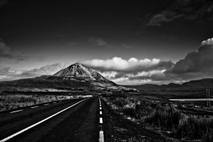 Mount Errigal, Donegal by mole2k
