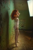 Red-haired in the lathing (7369) by Raizman