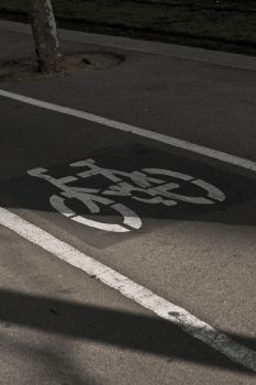 Barce street bicycle zone by Jh2