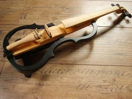 Just finished, Yamaha style electric violin by deviantviolins