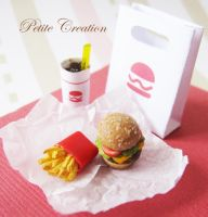 12th scale burger+fries 1 by PetiteCreation