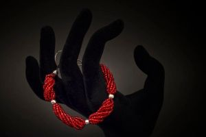 bracelet - red by Sizhiven