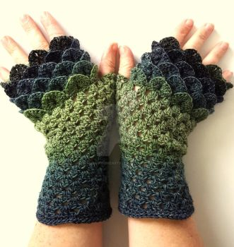 Lichen - Dragon Gloves by FearlessFibreArts