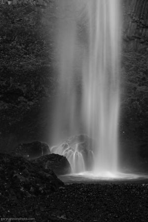 Latourell Falls BW 2 by worldtravel04