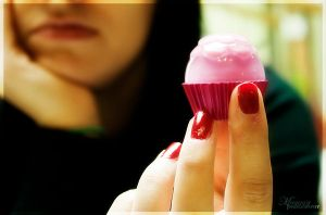 glossy cupcake by magggg