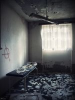 Sanatorium - examination room by Alaisyn