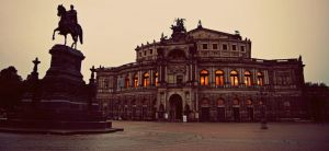 Semperoper @ Nightfall by Shining-91