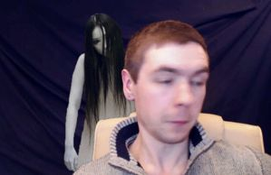 Gif-She's behind you!!! by Rini2012