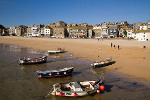 Quintessentially English Seaside by parallel-pam