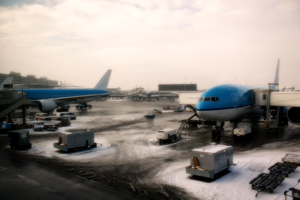 Winter at Schiphol by GustavoSugawara