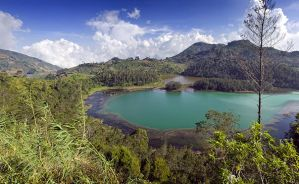 The Dieng Plateau by gifgof