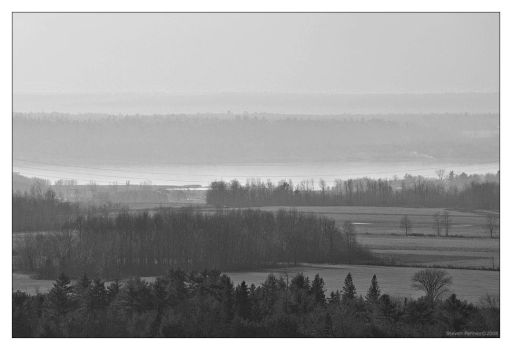 Ottawa river from Lookout - II by bigsdawg