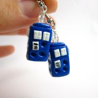 Dr. Who inspired earrings by TrenoNights