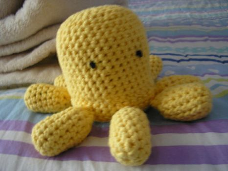 A Yellow Octopus +pattern link by PuddinCup