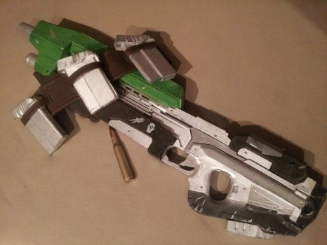 MA5D Halo assault rifle by TiaranDracodar