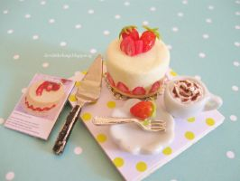 Dollhouse Miniature Strawberry Fraisier Cake by ilovelittlethings