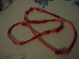 red-pink necklace-set piece by Yorulla