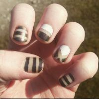 Nails by Mettemusss1810