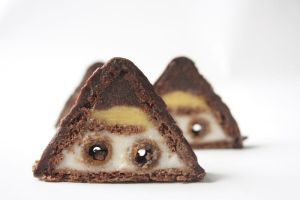 Triangular Cake 2 by neongeisha