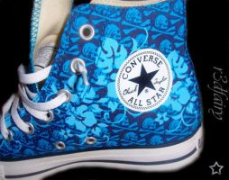 converses by r3dfairy