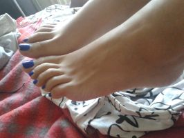 Morning Toes by Whor4cle