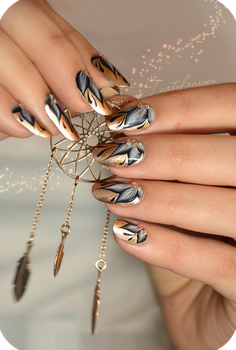 New year nails by Tartofraises