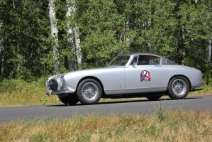 Expensive silver sports car by finhead4ever