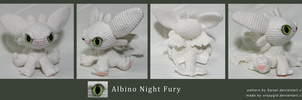 Chibi albino Night Fury by uropygid