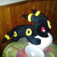 Umbreon Plushie by kitsune-thief