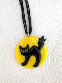 Cat Pendant by Xx-tangerine-xX