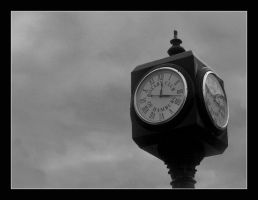 Clock by syrenemyst