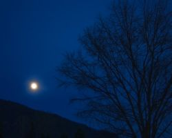 Moon Over Deer Mountian by rockmashane