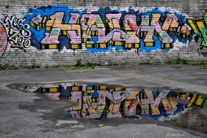 graffiti reflection by valaddoch