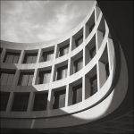 Curved House by aponom