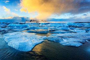 Jokulsarlon Sunset by cwaddell