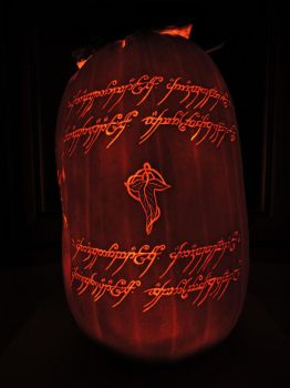LOTR Pumpkin 2016! Side 1/4 by Lireal11