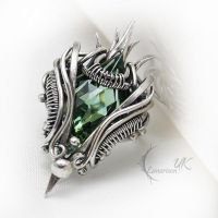 LOCTUVIRN - silver and green amethyst. by LUNARIEEN
